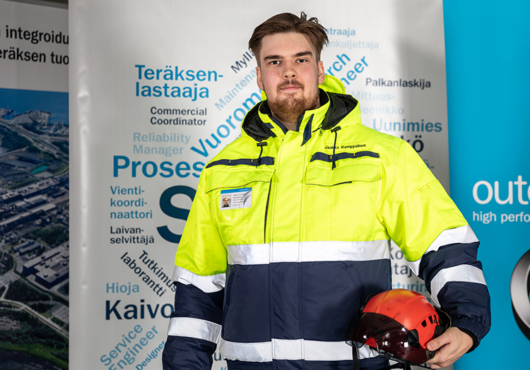 Outokumpu team member, Tornio harbor