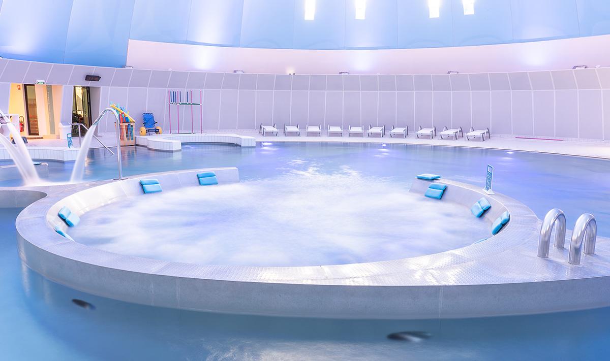 Aquarena aquatic complex, SLC Jean MONLEON. Manufacturer of the swimming pool BC INOXEO. Photo credit BabXIII, www.bab13.com