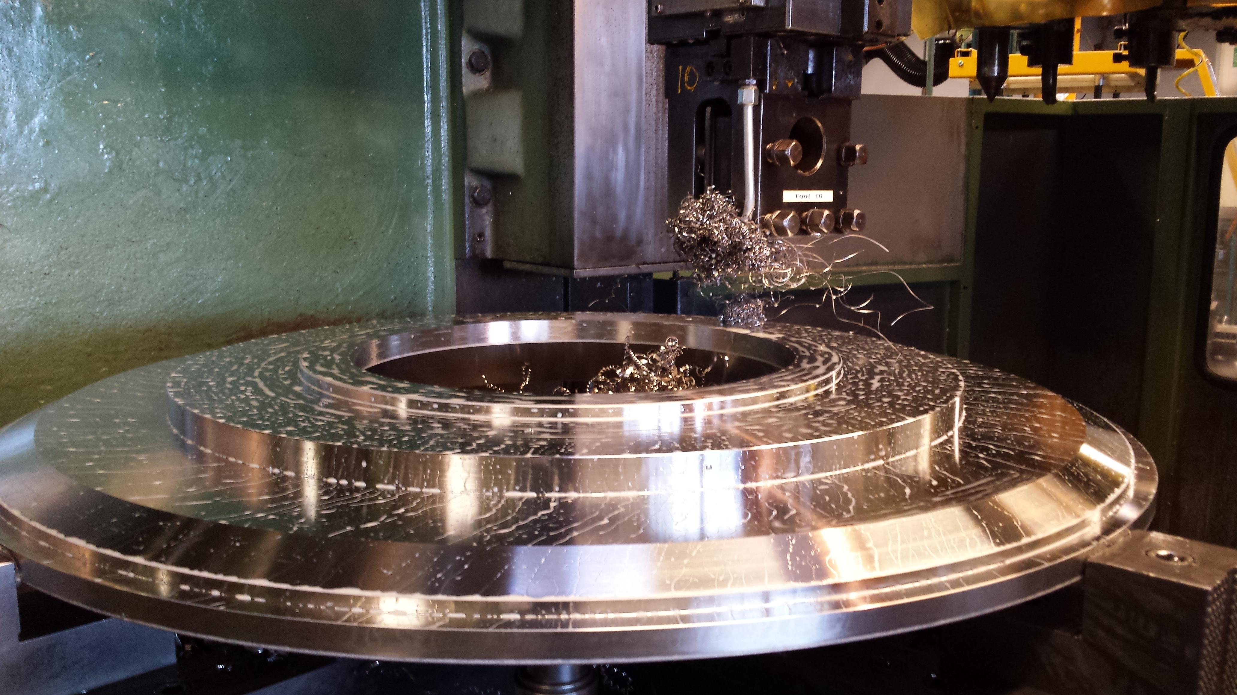 Benelux service center producing part flange