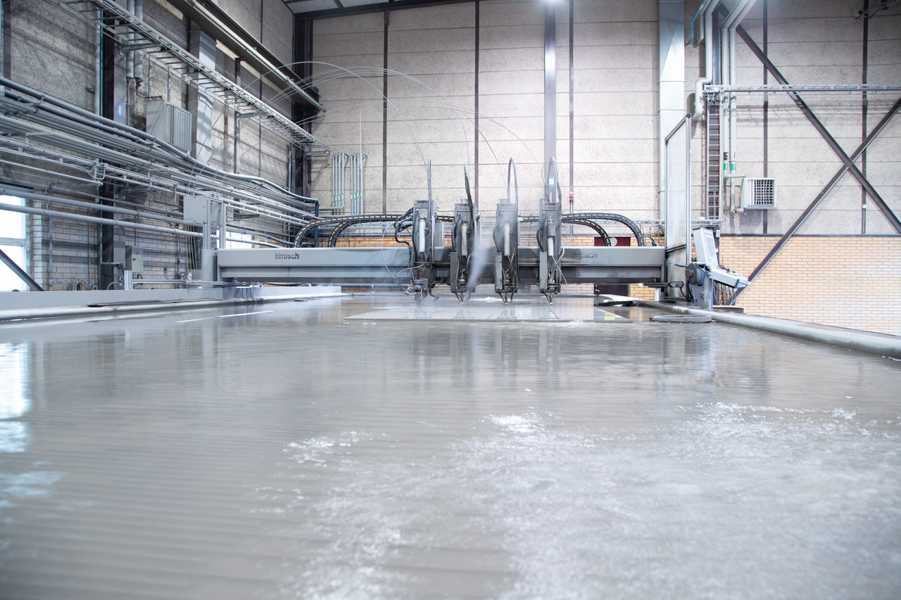 Degerfors Plate Service Center water jet cutting machine